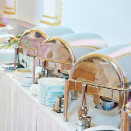 catering-service-Metal-buffet-112190603